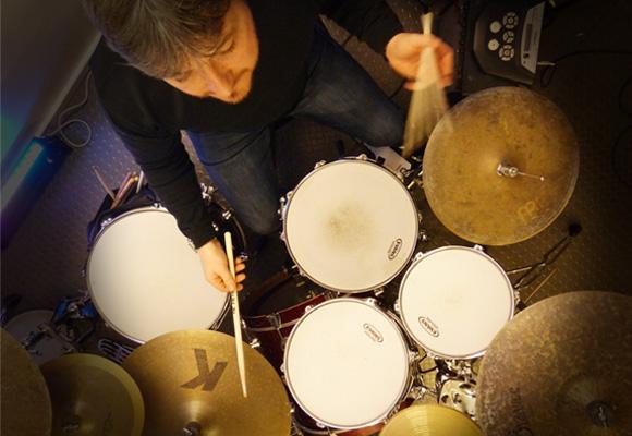 Gilles Combalat - Gilles Combalat - Batteur bassiste compositeur - Pro Drumming